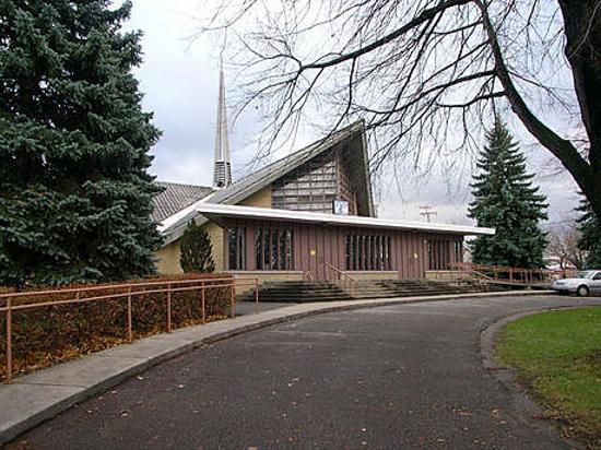 Église Saints-Martyrs-Canadiens - 550x412